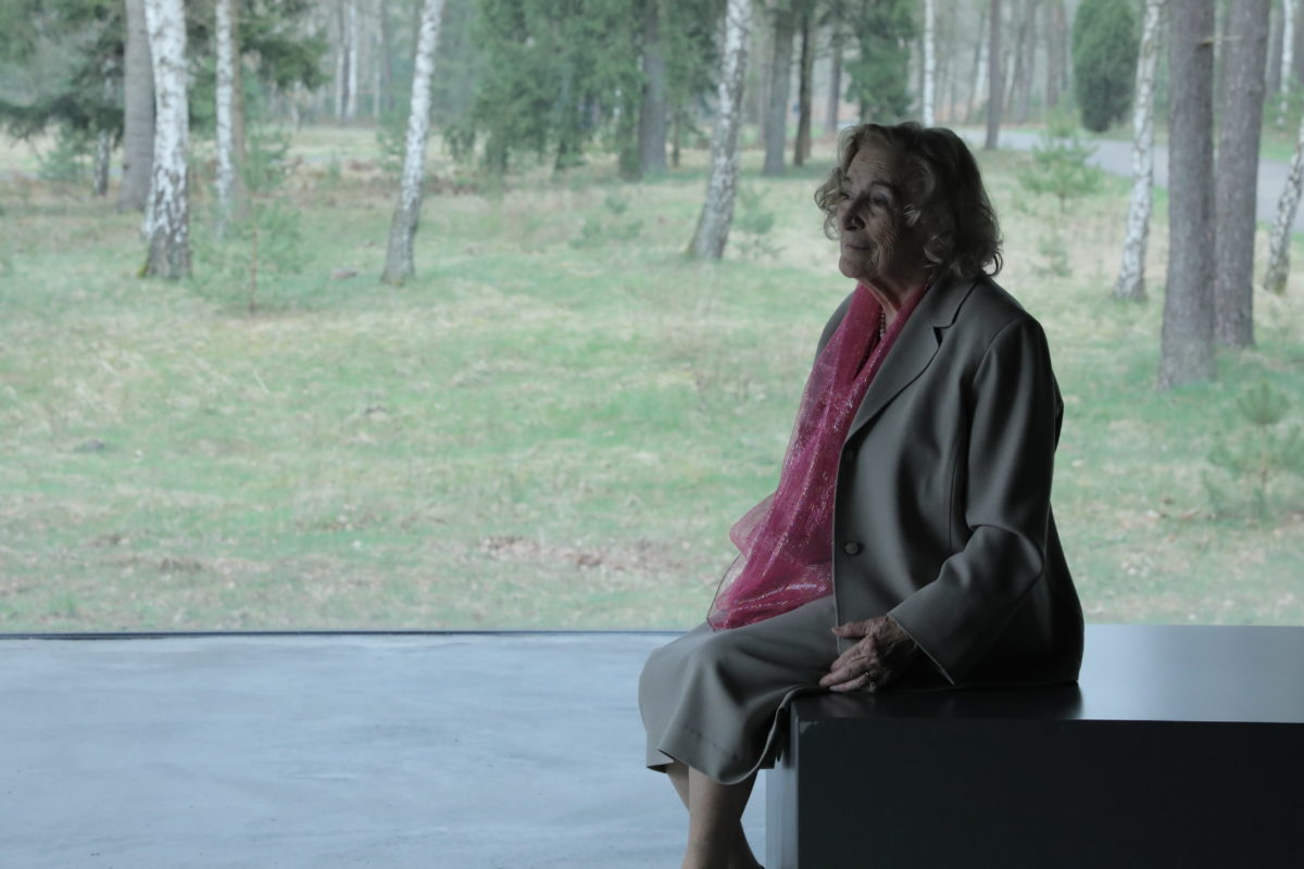 a-photo-of-hetty-at-belsen